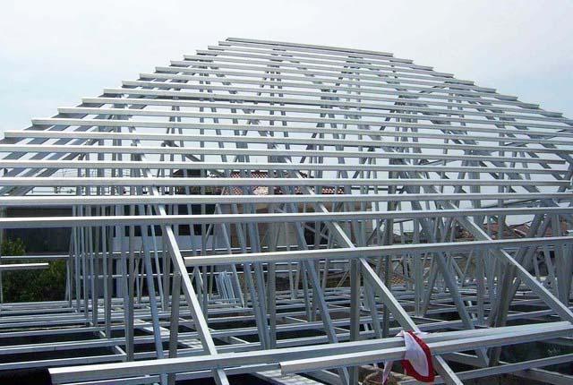 gambar kerangka atap baja ringan