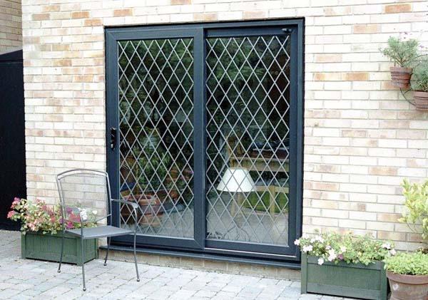 gambar pintu besi minimalis dua pintu
