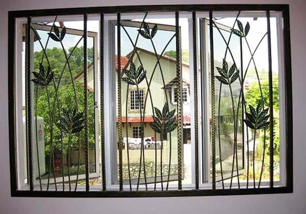 teralis jendela minimalis dengan motif bunga