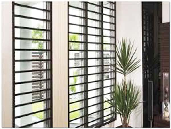 teralis jendela model simple minimalis