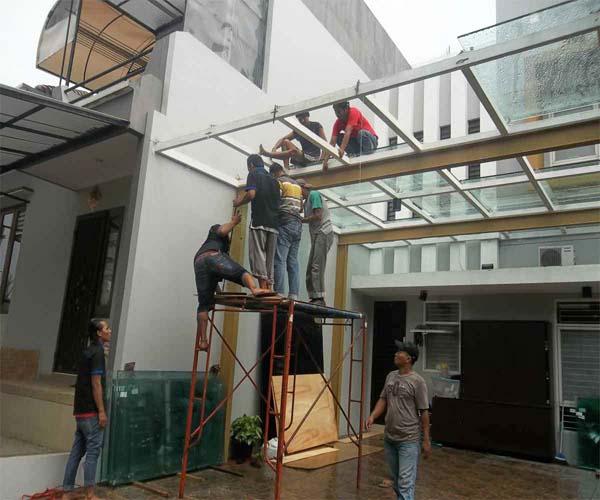 gambar pemasangan kanopi kaca